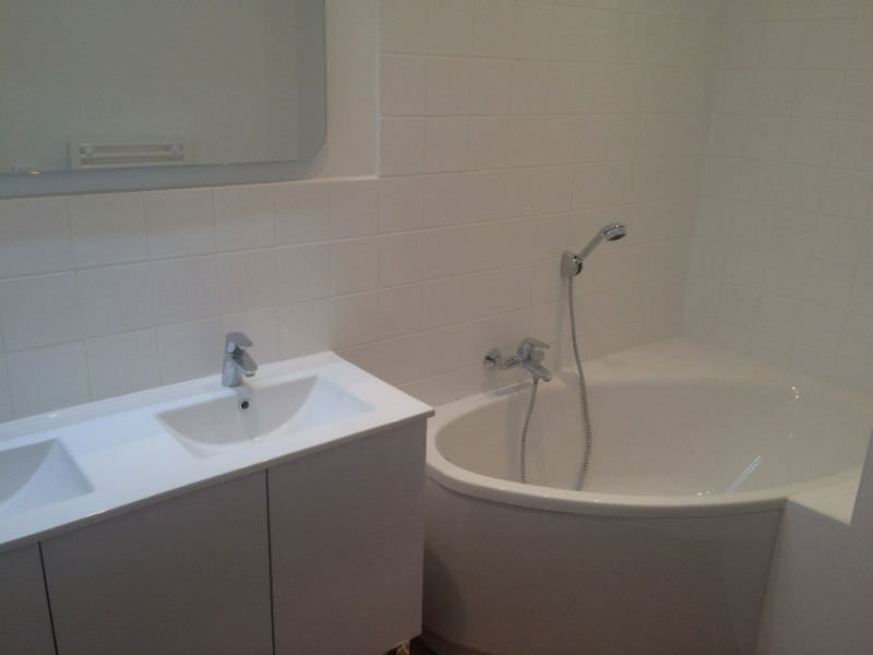 Location appartement Aix en provence 1 307€ CC - Photo 10