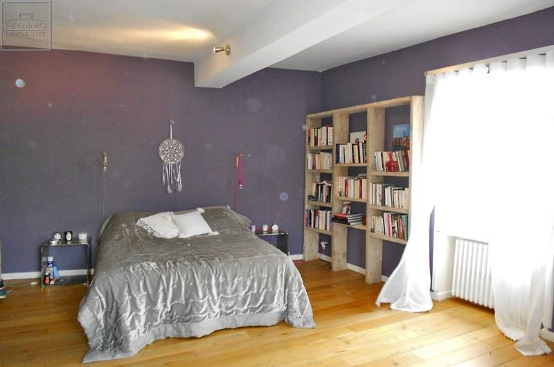 Location maison / villa Saint-genis-les-ollières 2490€ CC - Photo 3