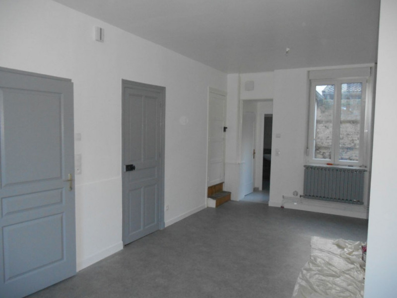 Rental house / villa Saint quentin 512€ CC - Picture 1
