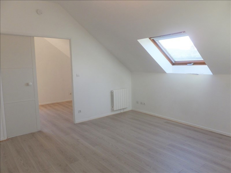 Location appartement Fontenay le fleury 640€ CC - Photo 2