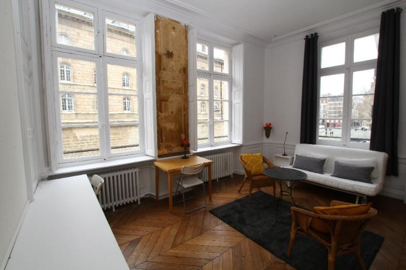 Location appartement Paris 6ème 2 090€ CC - Photo 2