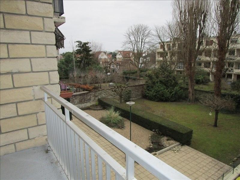 Rental apartment Le vesinet 1200€ CC - Picture 1