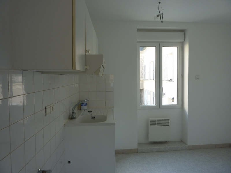 Rental apartment Claye souilly 850€ CC - Picture 2