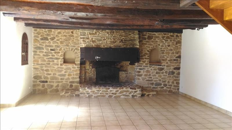 Rental house / villa Brie 780€ CC - Picture 2