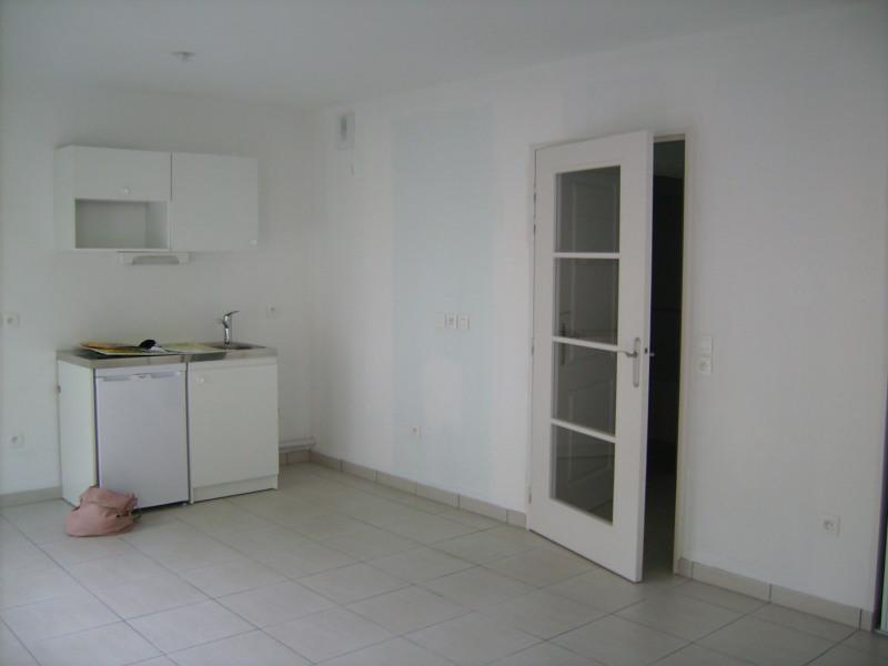 Rental apartment Chaponost 490€ CC - Picture 1