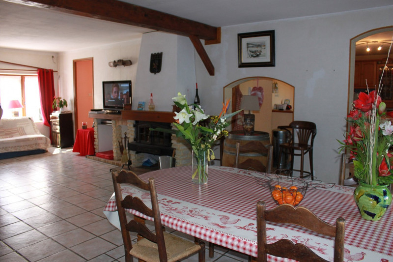 Sale house / villa Montseveroux 364 500€ - Picture 8
