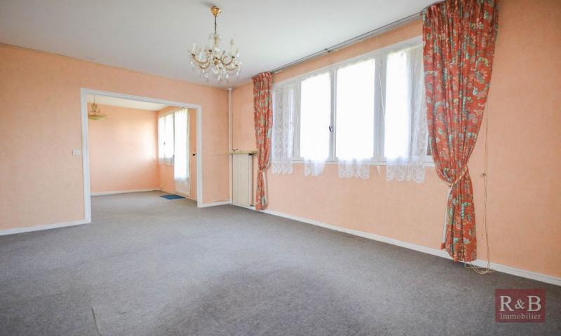 Sale apartment Les clayes sous bois 168000€ - Picture 2