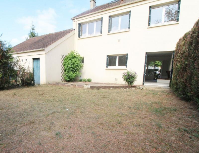 Sale house / villa Maurepas 331000€ - Picture 1