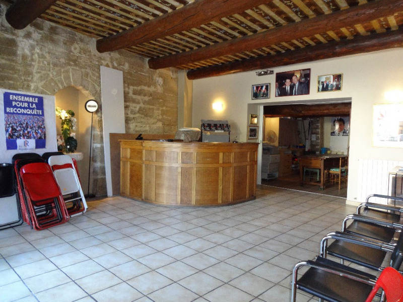 Sale building Carpentras 179 000€ - Picture 1