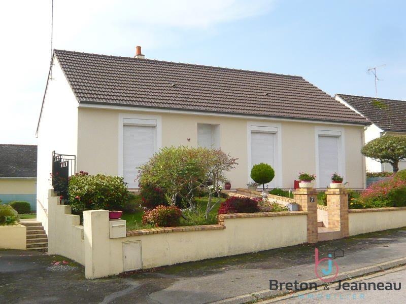 Sale house / villa Change 176800€ - Picture 1