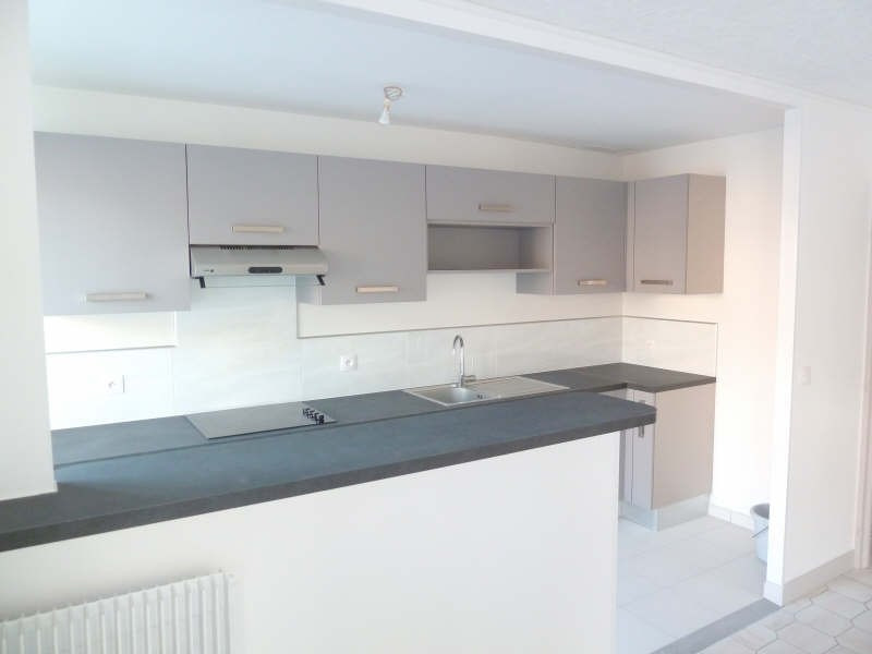 Rental apartment Andresy 799€ CC - Picture 1