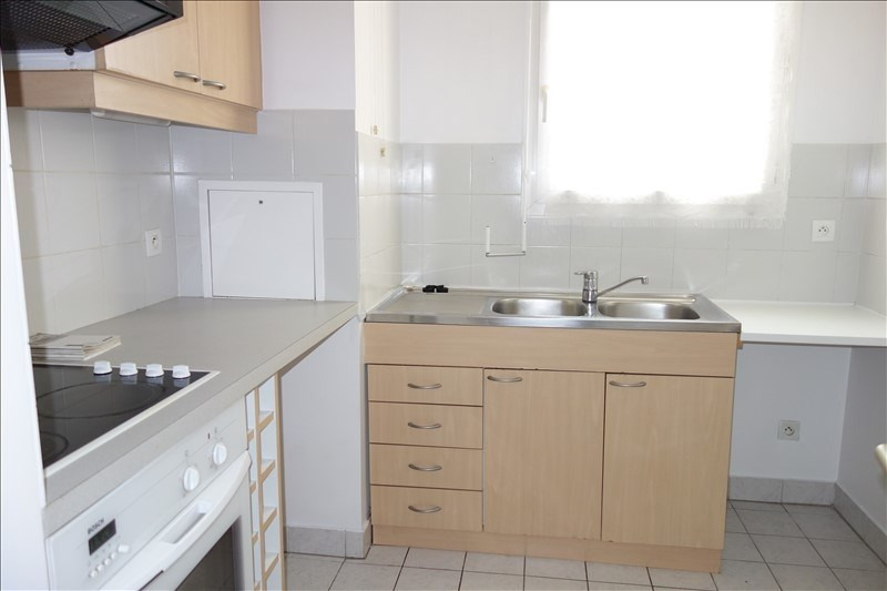 Rental apartment Le chesnay 900€ CC - Picture 5