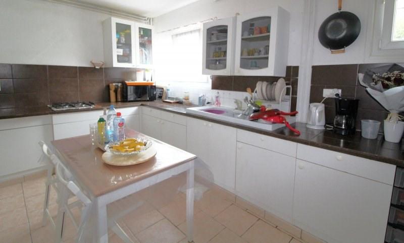 Sale house / villa Maurepas 325000€ - Picture 1
