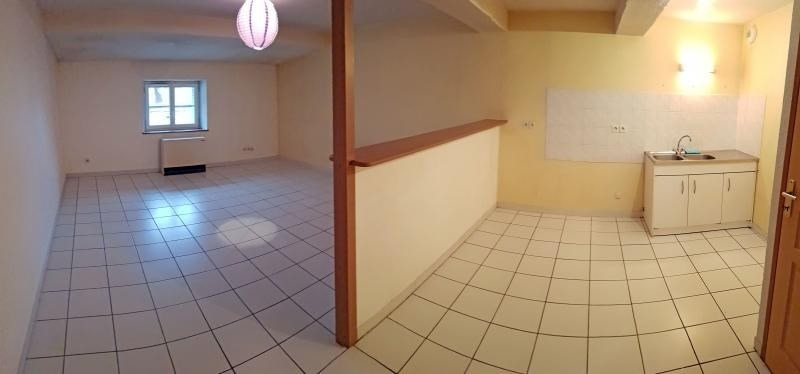 Location appartement Nantua 365€ CC - Photo 2