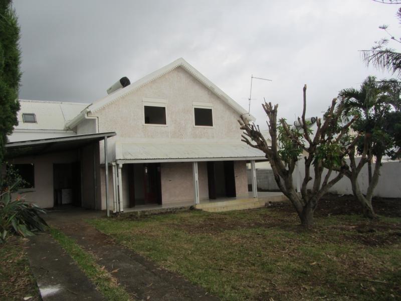 Vente maison / villa St gilles les hauts 300000€ - Photo 2