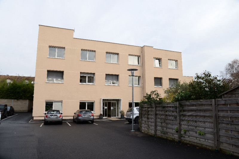 Location bureau Le mesnil le roi 729€ CC - Photo 3