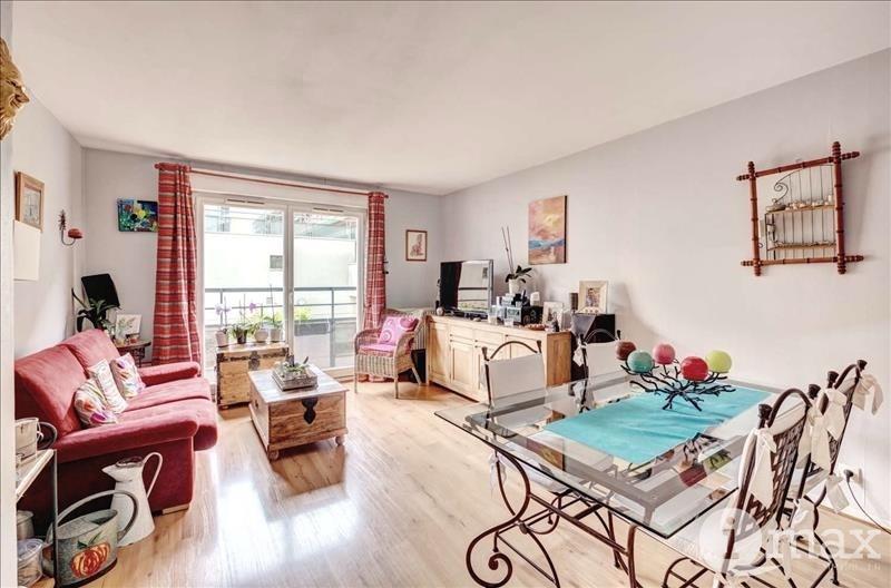 Sale apartment Courbevoie 490000€ - Picture 1