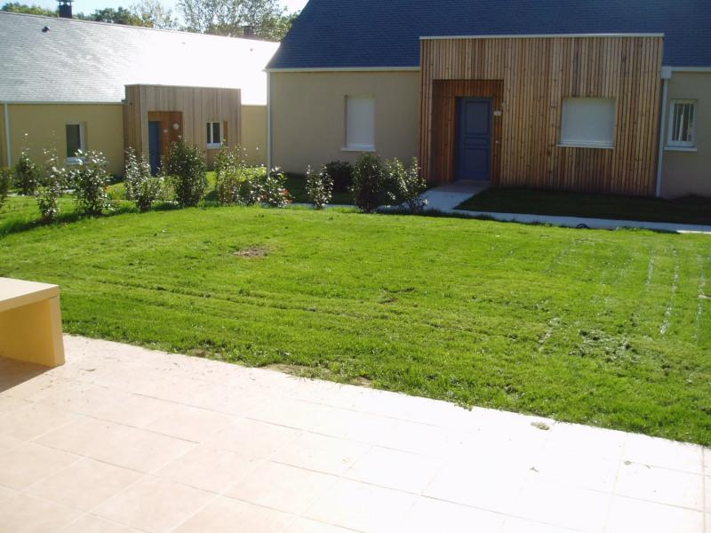 Location maison / villa Équemauville 774€ CC - Photo 4