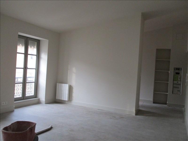 Location appartement Nimes 596€ CC - Photo 3