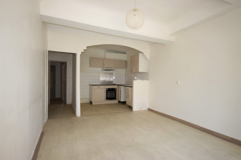 Vendita appartamento Lambesc 150000€ - Fotografia 2