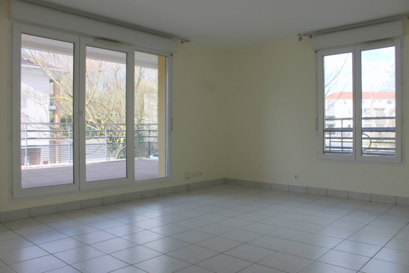 Rental apartment Osny 1000€ CC - Picture 2