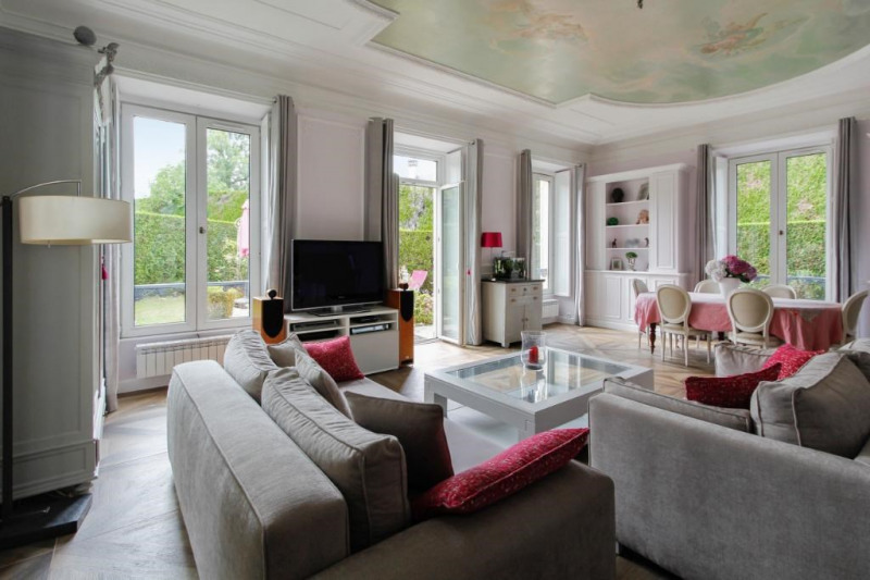 Deluxe sale apartment Bougival 730000€ - Picture 2