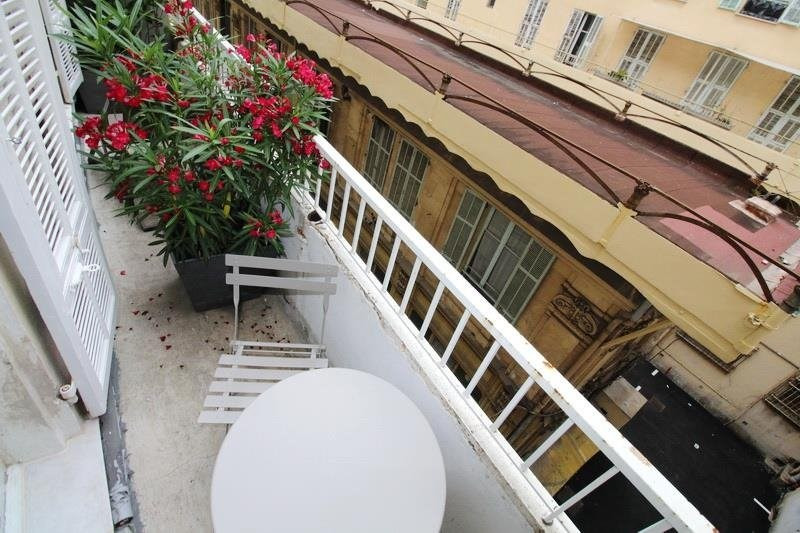Location appartement Nice 650€ CC - Photo 2