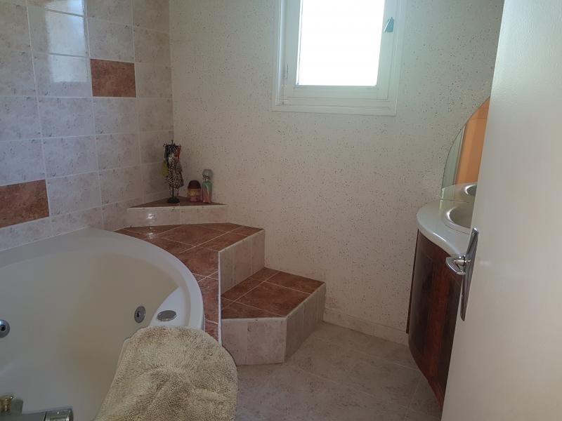 Vente maison / villa St martin d'heuille 158000€ - Photo 4