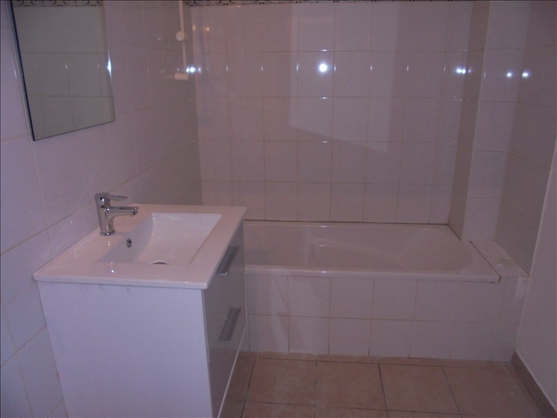 Location appartement Cluses 650€ CC - Photo 4