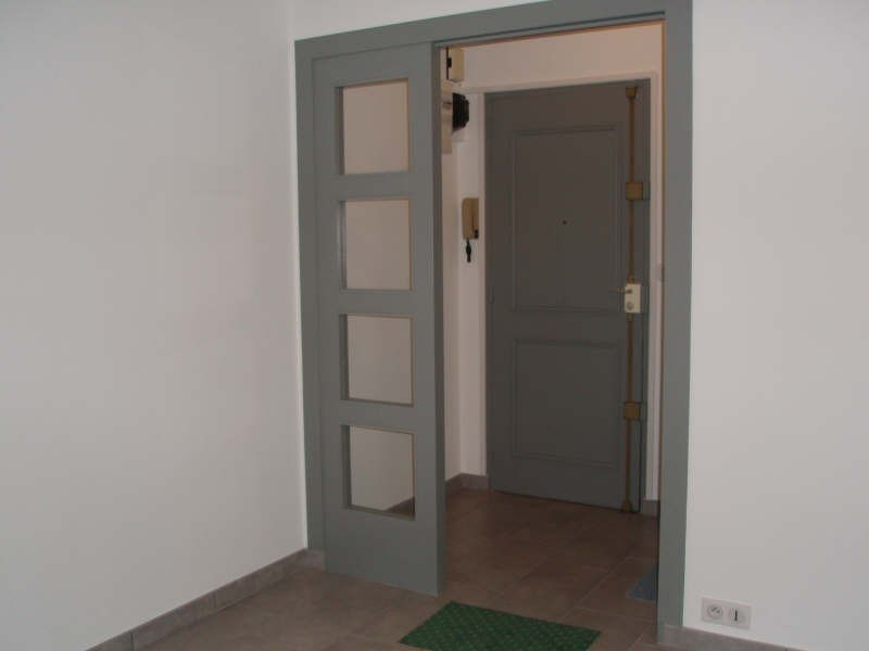 Rental apartment Viroflay 920€ CC - Picture 2