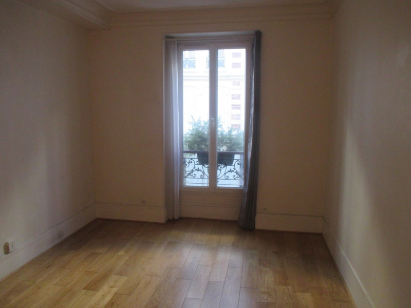 Rental apartment Paris 14ème 1 080€ CC - Picture 2