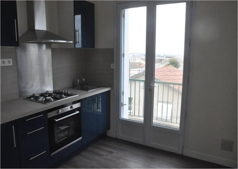 Investment property apartment Niort 91 000€ - Picture 1