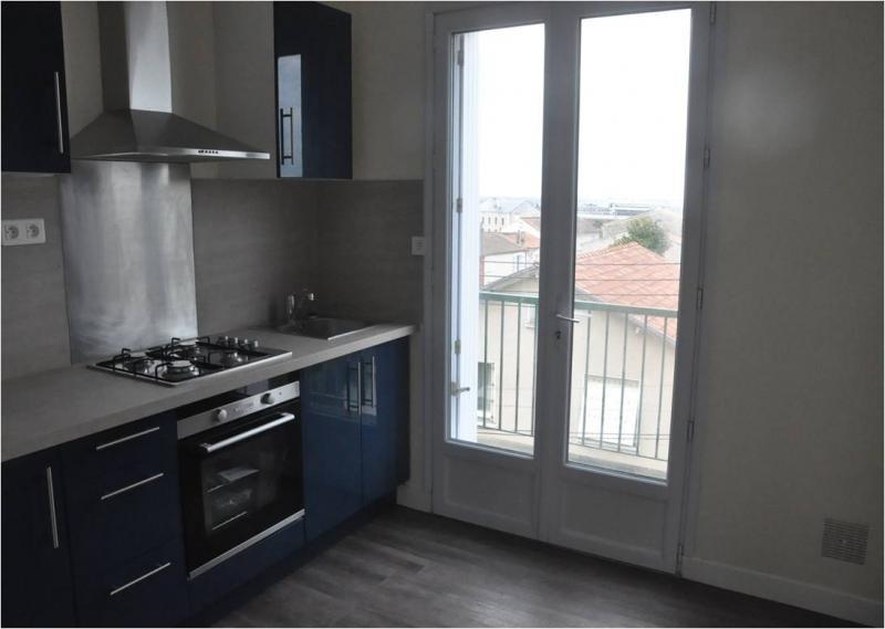 Investment property apartment Niort 91000€ - Picture 1
