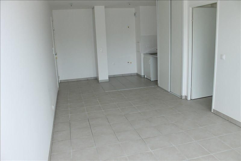 Rental apartment Osny 801€ CC - Picture 2