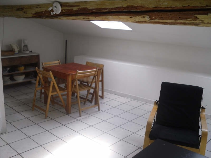 Rental apartment Nimes 395€ CC - Picture 1