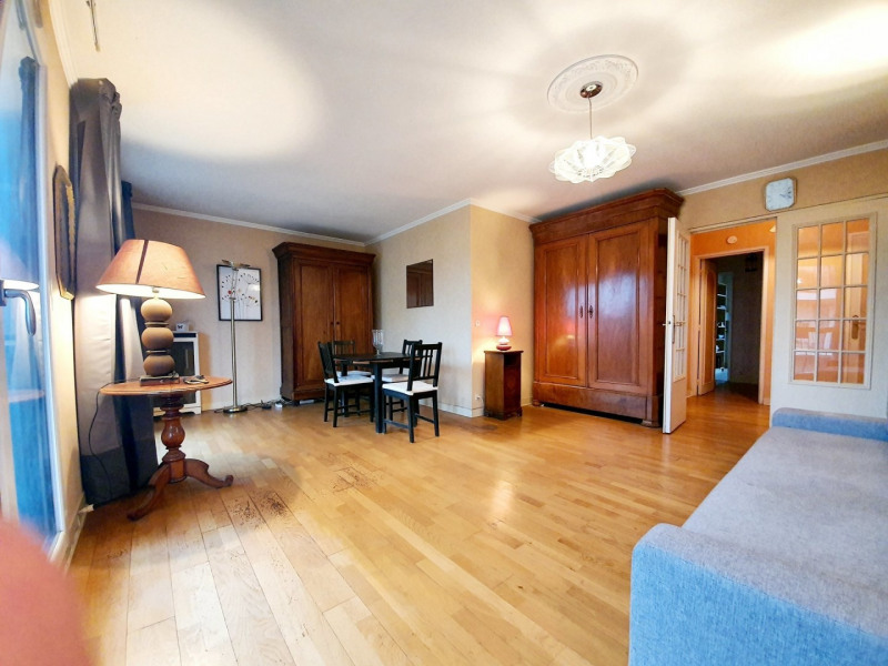 Sale apartment Le raincy 210000€ - Picture 2