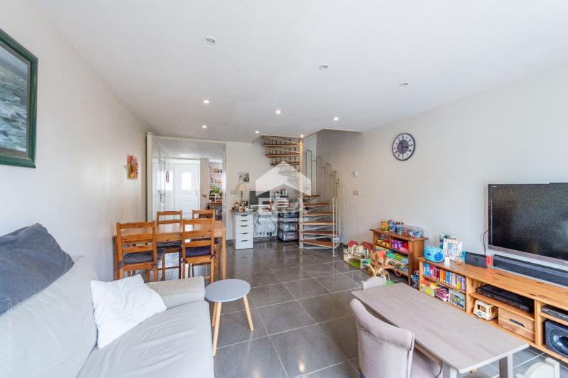 Sale house / villa Lesigny 302100€ - Picture 1