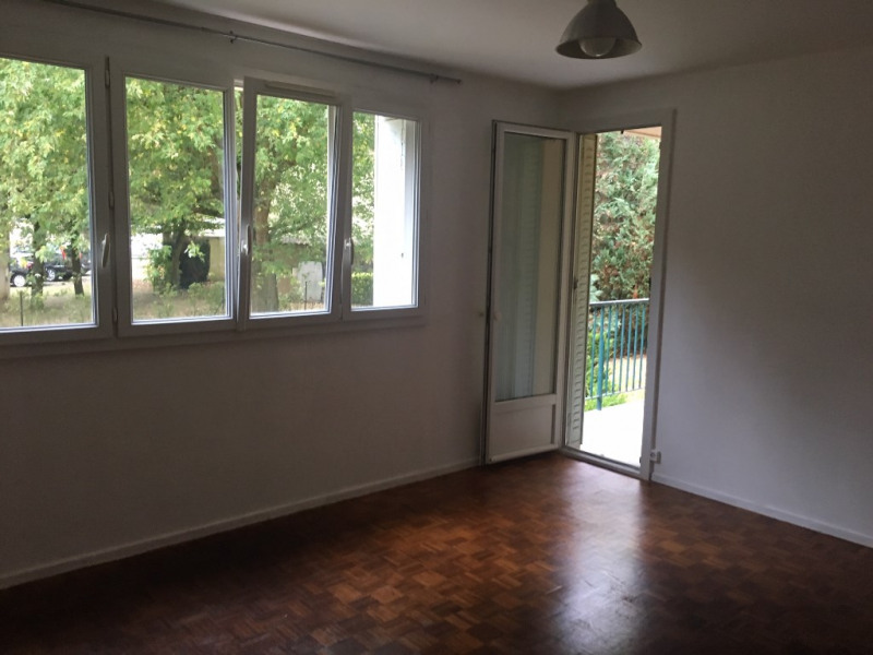 Location appartement Montfort-l'amaury 940€ CC - Photo 1