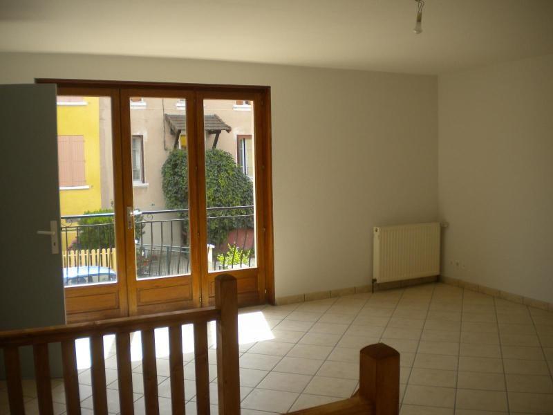 Location maison / villa Ste foy l argentiere 620€ CC - Photo 2