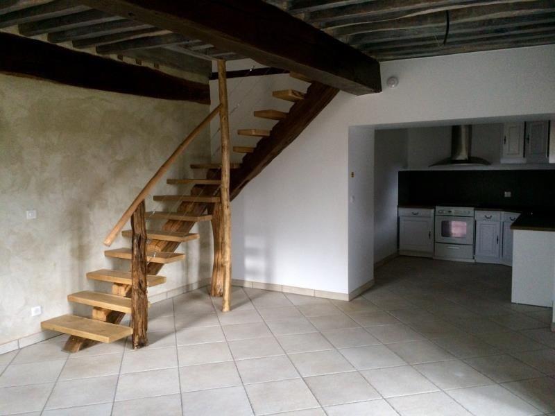 Rental house / villa Montseveroux 770€ CC - Picture 1