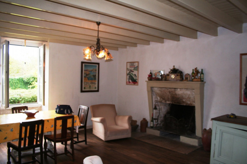 Sale house / villa Chef-boutonne 60500€ - Picture 13