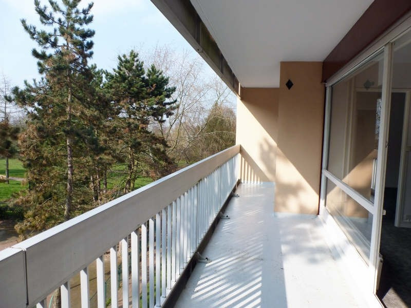 Location appartement Elancourt 846€ CC - Photo 2