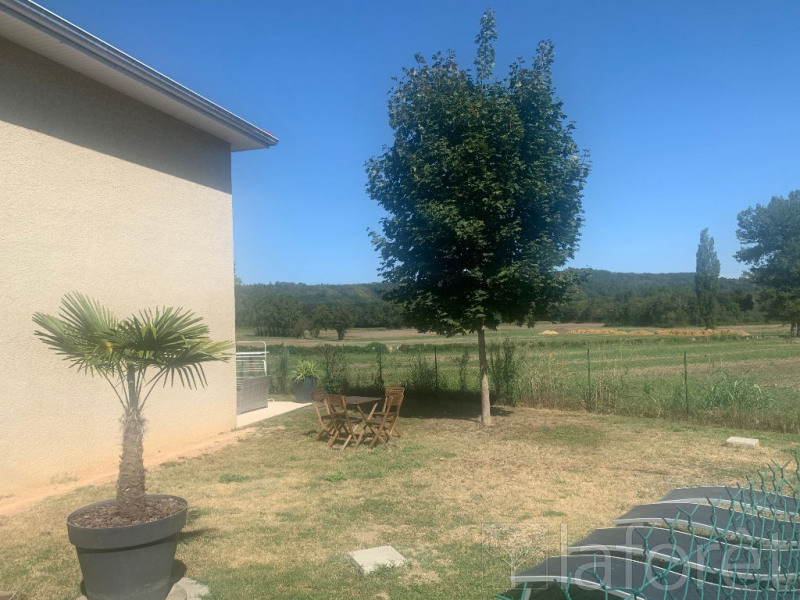Location maison / villa Bourgoin jallieu 895€ CC - Photo 9