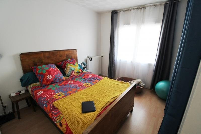 Rental apartment Maurepas 850€ CC - Picture 4