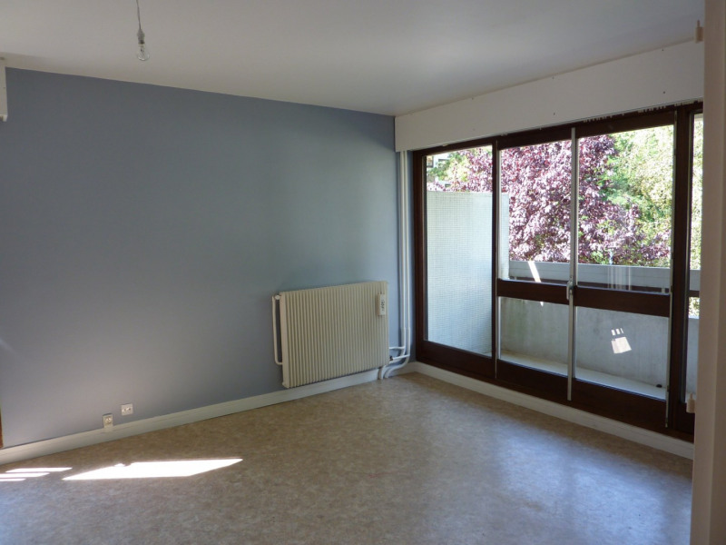 Rental apartment Les ulis 913€ CC - Picture 2