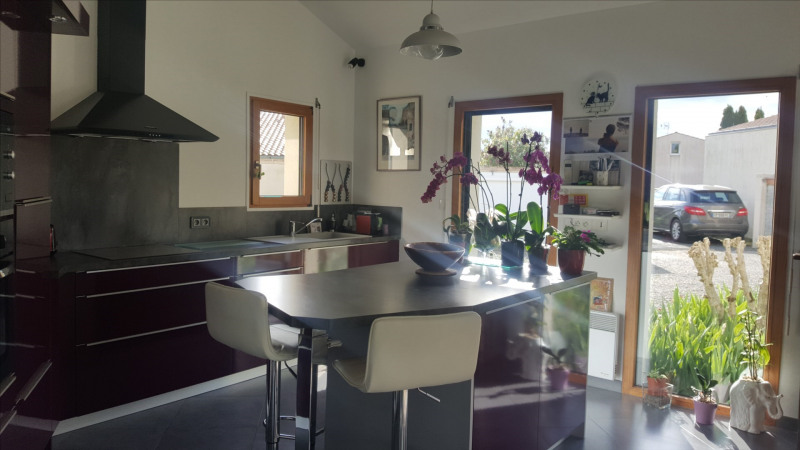Vacation rental house / villa Chatelaillon-plage 300€ - Picture 7