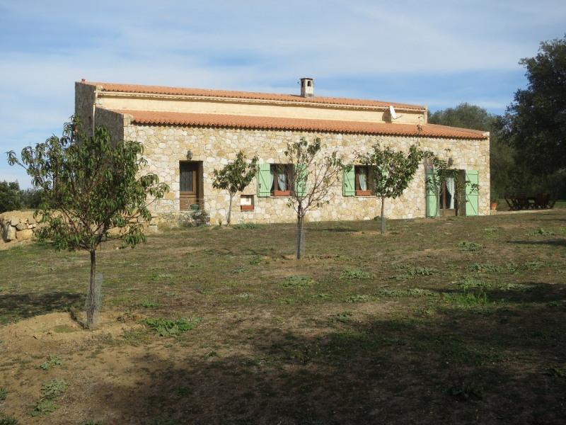 Maison de charme en pierre avec grand terrain