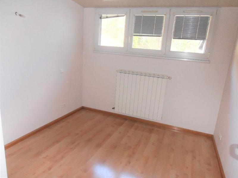 Location appartement Nantua 728€ CC - Photo 2