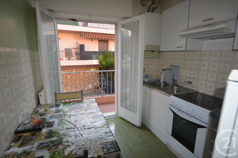 Sale apartment Juan les pins 212 000€ - Picture 4