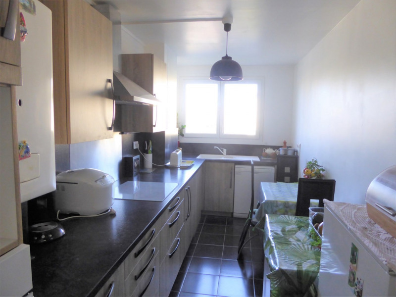 Sale apartment Mennecy 184 000€ - Picture 4